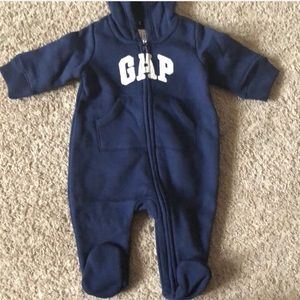 Gap logo one piece